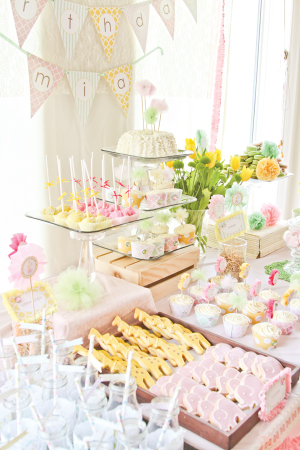 dreamy-safari-princess-first-birthday-party
